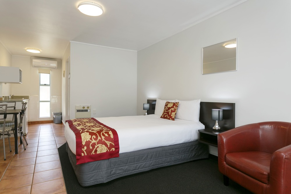01-Great-Lake-Motel-Family-Unit-bedroom accommodation taupo | lake taupo accommodation deals | accommodation in taupo